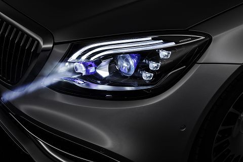 20180305 benz digital light 02.jpg