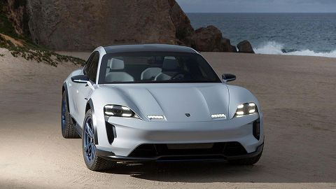 20181019 porsche  mission e  cross turismo 02.jpg