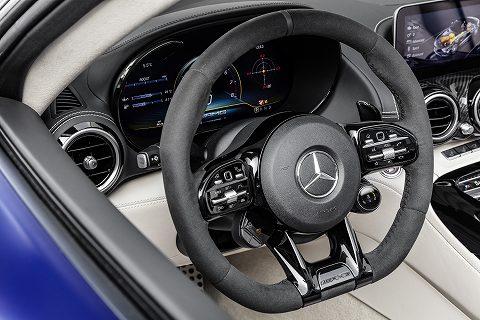 20190304 amg gt r roadster 06.jpg